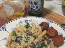 An easy after hunt recipe. Creamy Pasta and Morels.